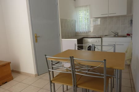 appartement de 23,m2 independent - House