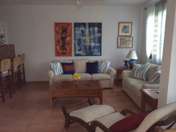 Charming Beach House, Villa Anita, Sleeps 6.