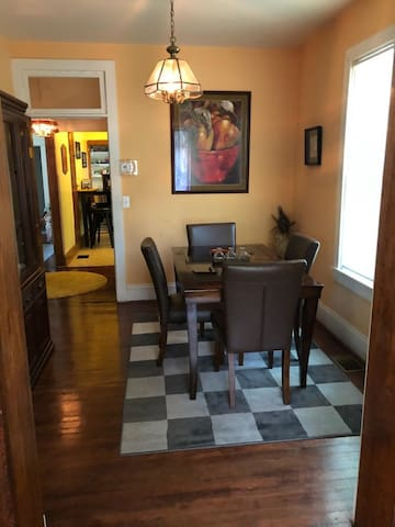 Cozy space in Capitol Heights.