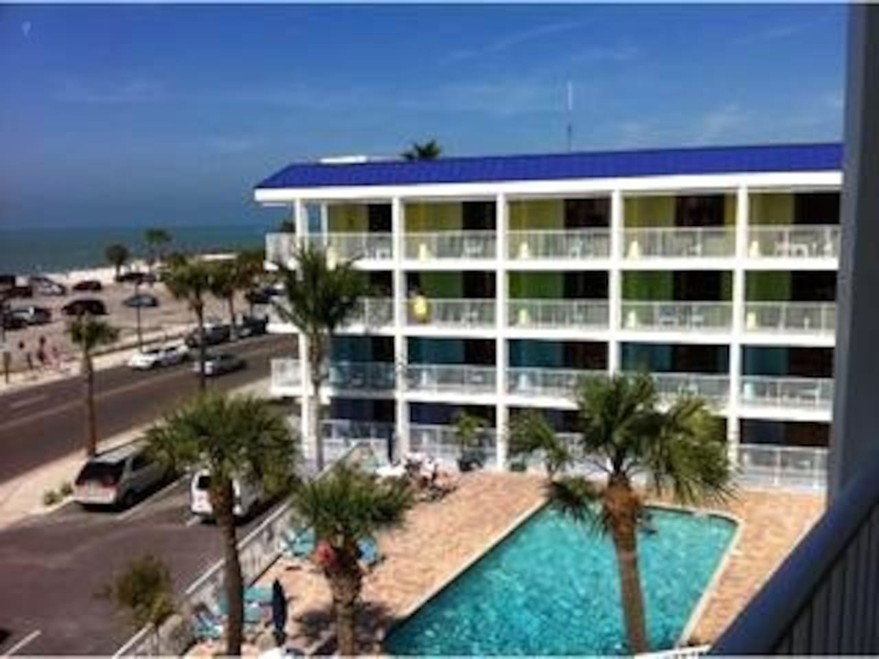 Pelican Pointe resort.  Unit is on the top 4th floor with Elevator access.