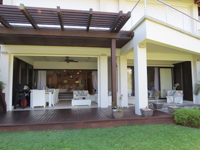 Lux 3 bedroom Villa in paradise. - Tamarin - Villa