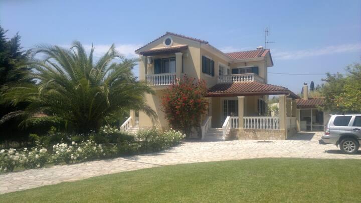 Dellis Villa