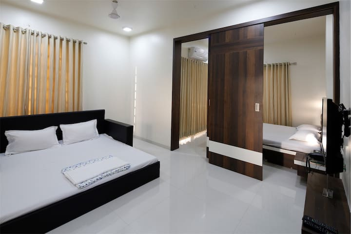 Luxurious studio Apartment