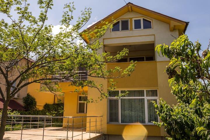 Villa Emilia Mamaia Nord - Mamaia-Sat - Talo