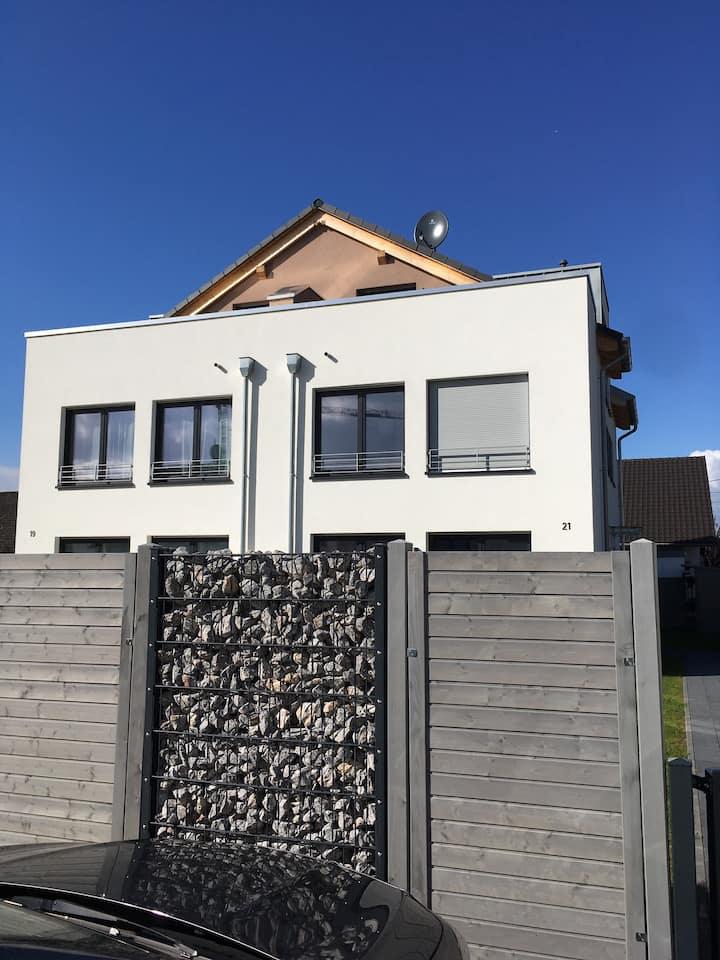 House near Bonn and Cologne. 5 min. walk to Rhine