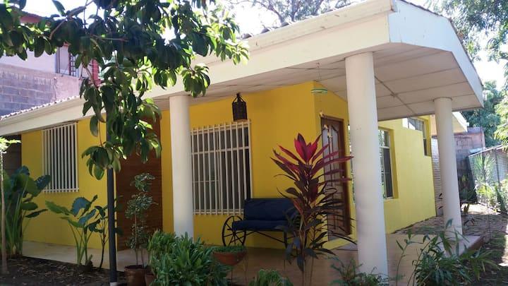 Apartamento con amplio y agradable area verde
