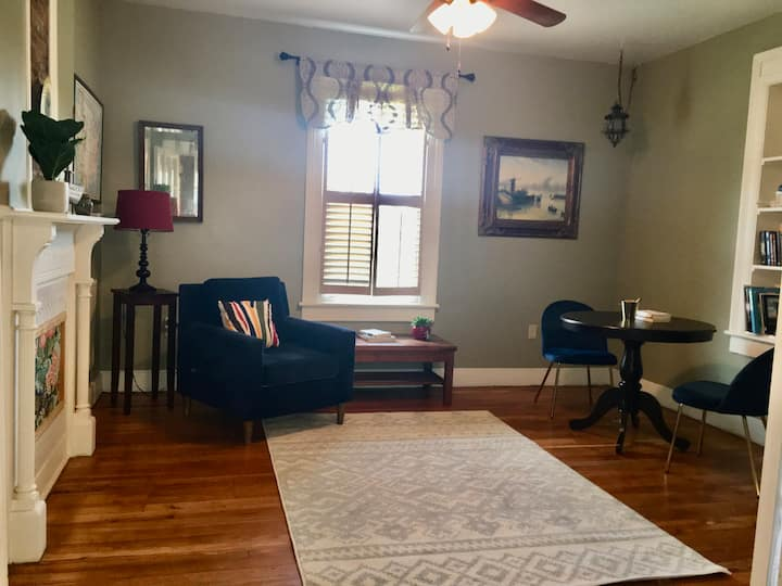Dog Friendly Home in the Heart of Staunton