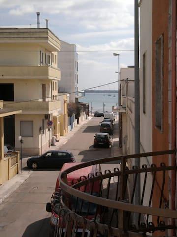 Porto Cesareo, il mare sotto casa - Porto Cesareo - Hus