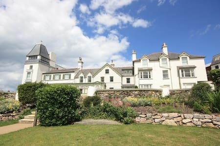 Luxury 3-bedroom apartment - sea and castle views - Deganwy - Byt