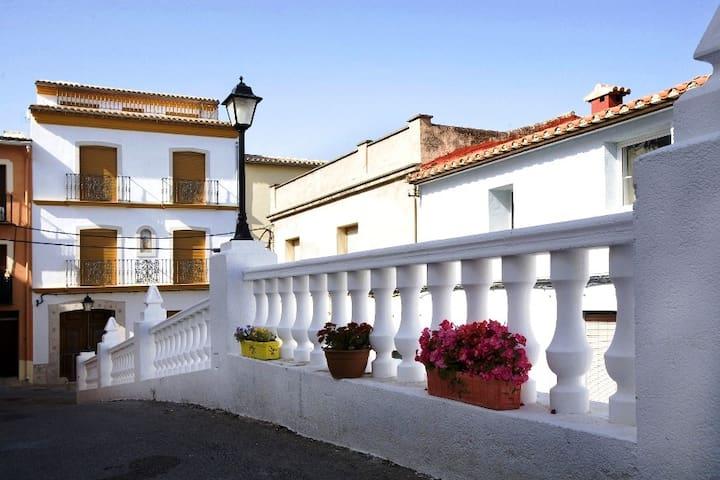 Casa de pueblo en el centro de Orba - Orba - Huis