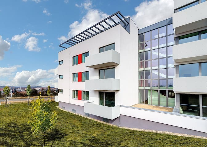 Luxury new flat in gated community w/ parking lot - Prague - Apartment