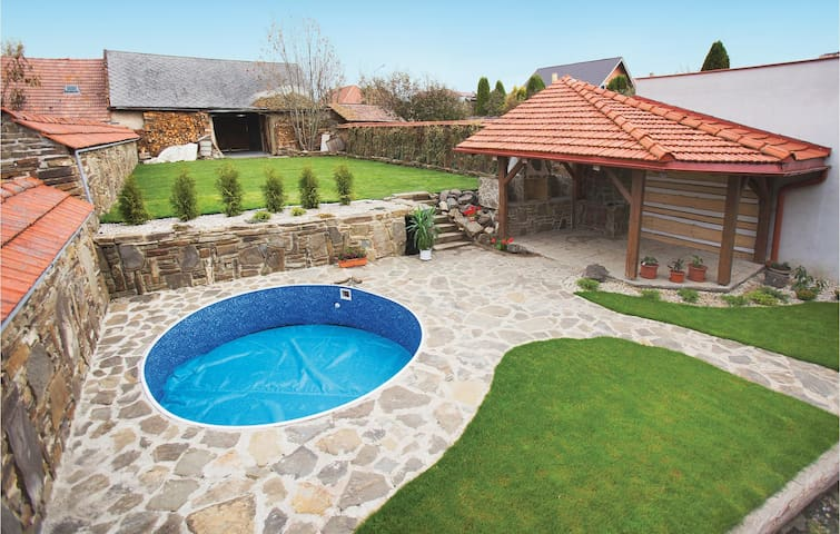 Holiday cottage with 5 bedrooms on 203 m² in Velky Slavkov