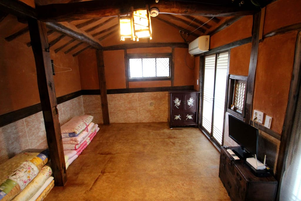 별채인 대감방  (independent room)