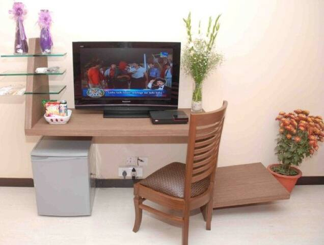TV & Work space