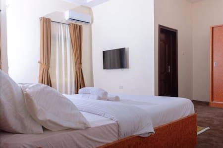 House 7 Resort - Royal Suite
