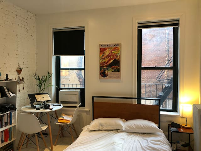 Charming studio in West Village