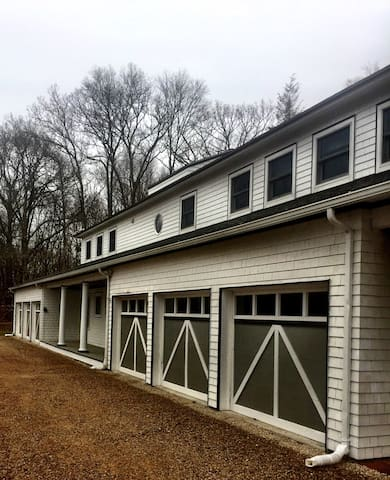 Country Carriage House - Lyme