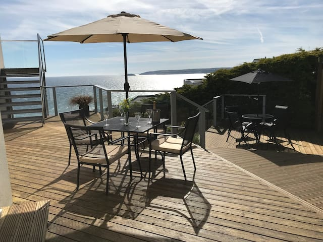 Unique Cornish Retreat, With Stunning Sea Views