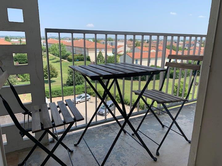 vue Alpes chambre privée avec balcon en colocation