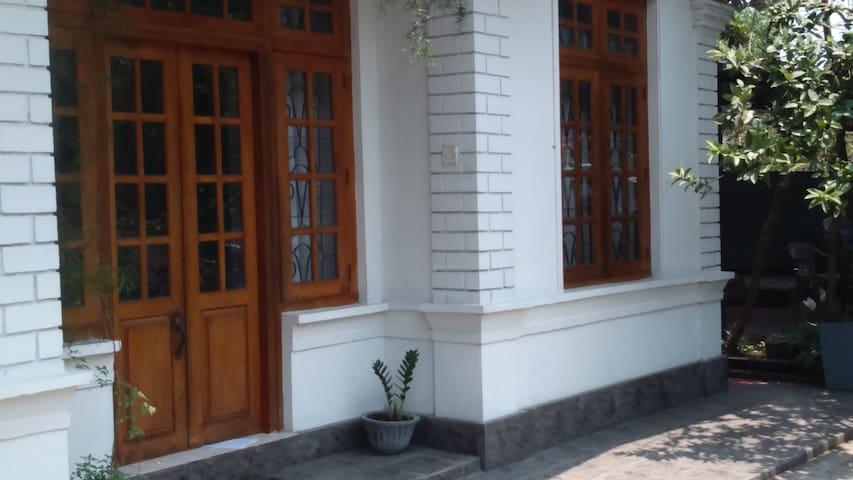 bank view villa