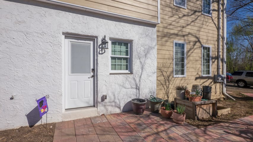 King of Prussia, Valley Forge, 1st Floor, 2 BR Apt