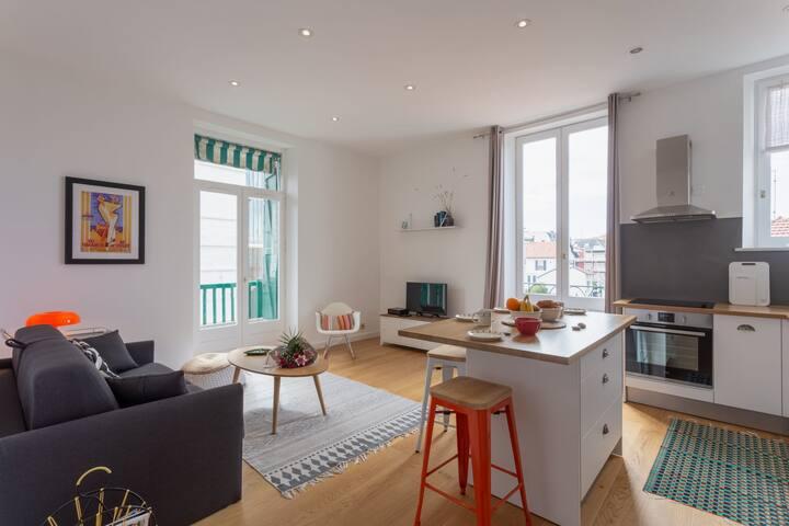 Modern apartment in Biarritz city center