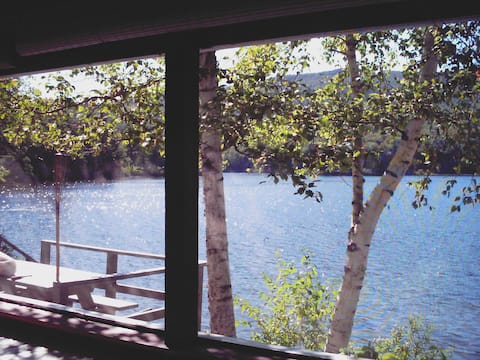 Lakefront Cottage modern in secluded Piermont NH