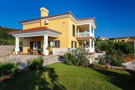 Villa Mirela - Room Mirta - Vrbnik