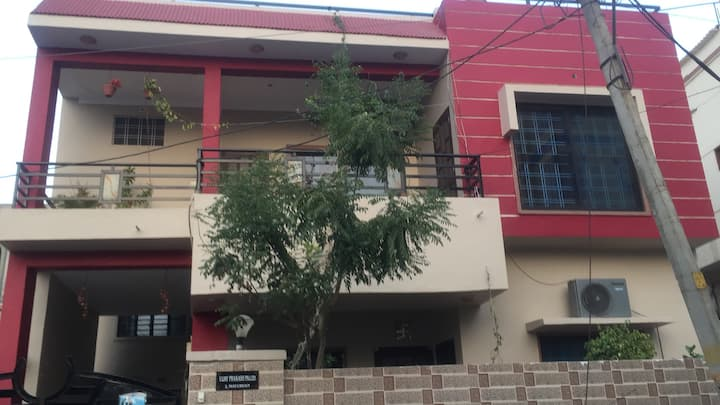 Luxurious KingSize Bedroom in Udaipur city centre