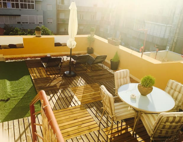 Room with unfold bed w/breakfast and terrace - Lisboa - Pis