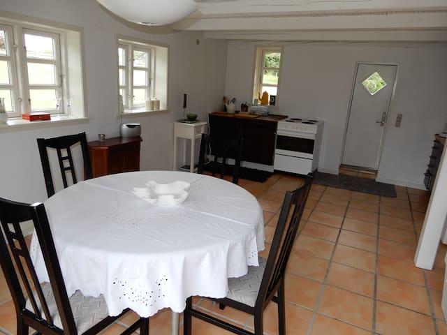 En hyggelig bolig, i naturlige omgivelser