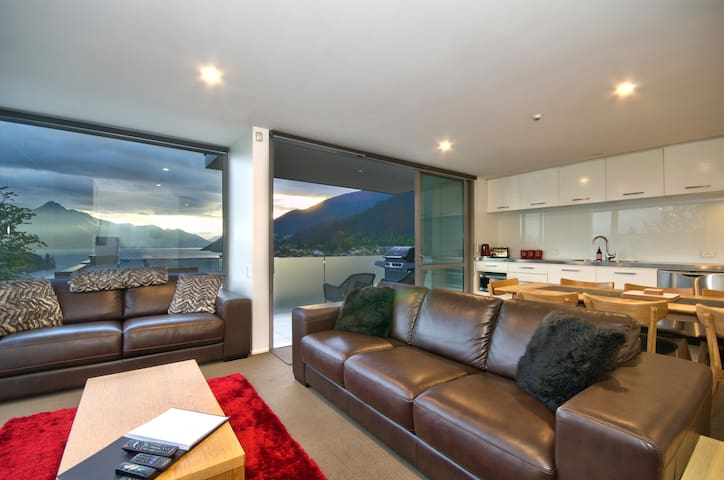 New leather lounge suite with double sofabed