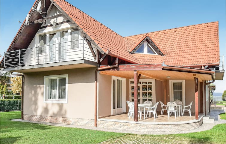 Holiday apartment with 2 bedrooms on 45m² in Balatonlelle
