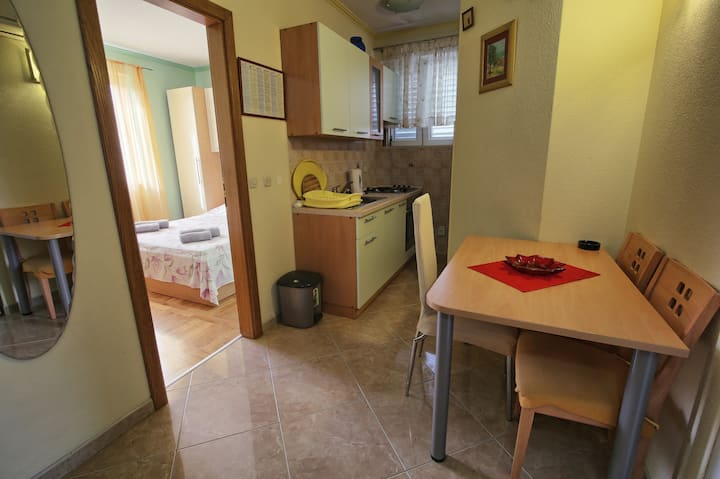 Lovely apartment in a quiet part of the city (A2)