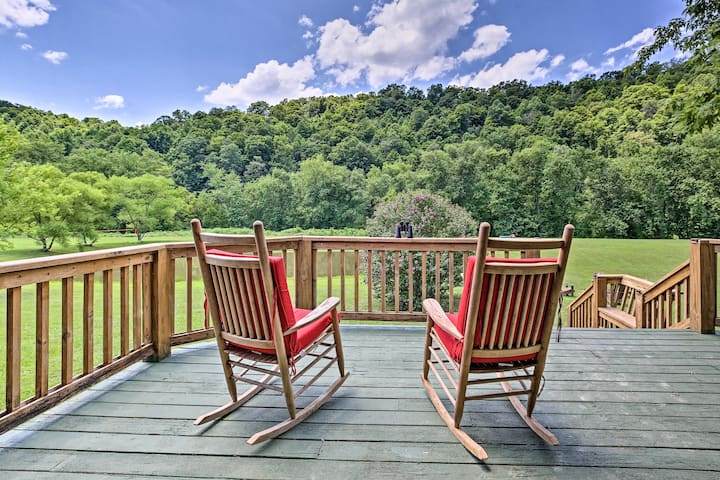 NEW! Secluded Retreat: BBQ, Lawn Games, & Fire Pit