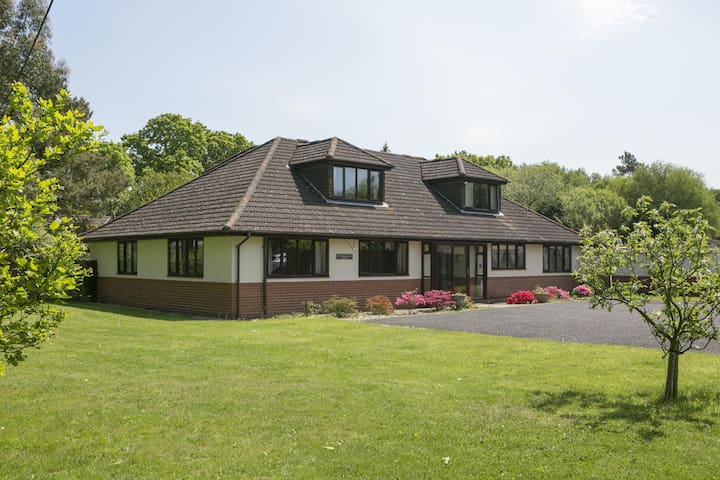 Come and self isolate in stunning Dorset - Woodlands Lodge on Jurassic coast