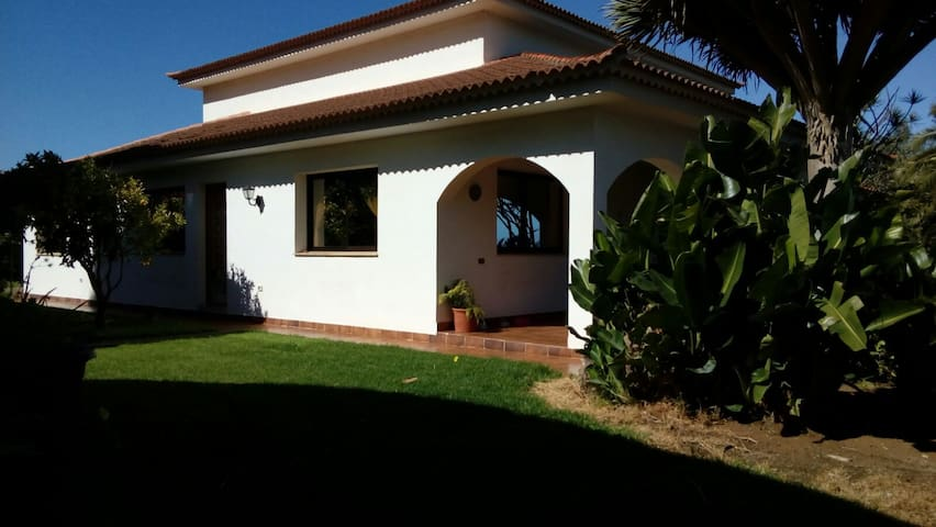 Casa grande con maravillosas vistas - La Orotava - House