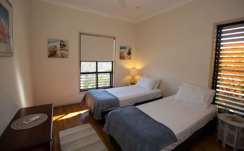 Frangipani Place - Wongaling Beach - 2nd bedroom can be 2 singles or zipped into a king bed
