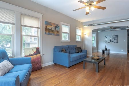 Lots Of Room In This Extra Large 3 BR Apartment!!!