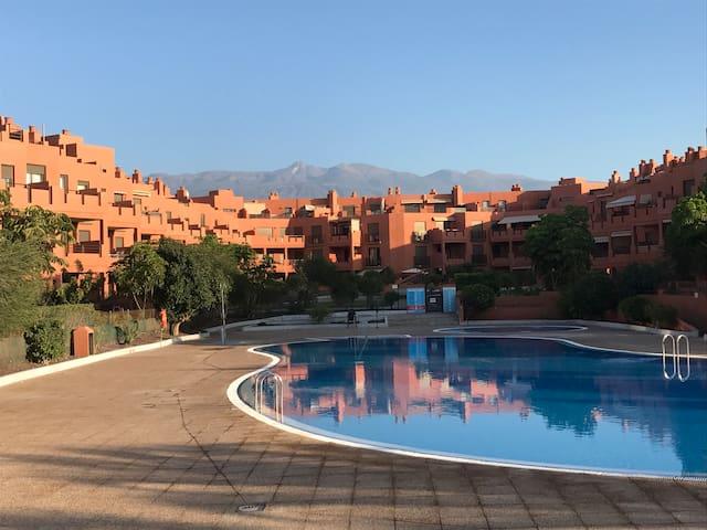 Apartament with swimming pool +wifi, La Tejita