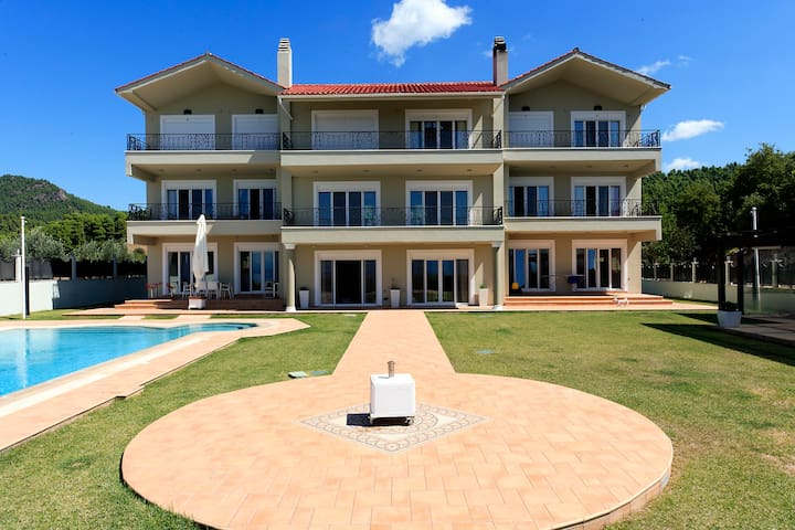 Villa Damia
