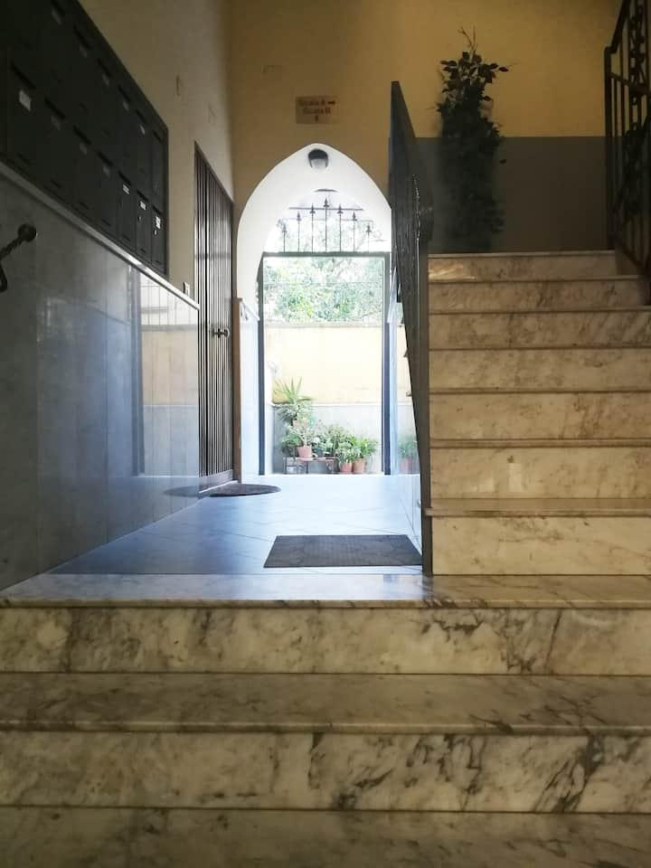 CoccaHouse, vivere nella vera Napoli centro.