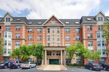 Newport Avalon Cove Apartment