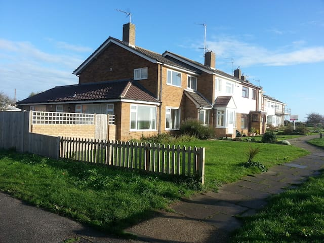 Sea View House - Lowestoft - Huis