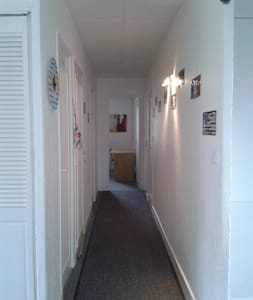 Chambre équipée d' un lit 160x190 . - Paimpol - Villa