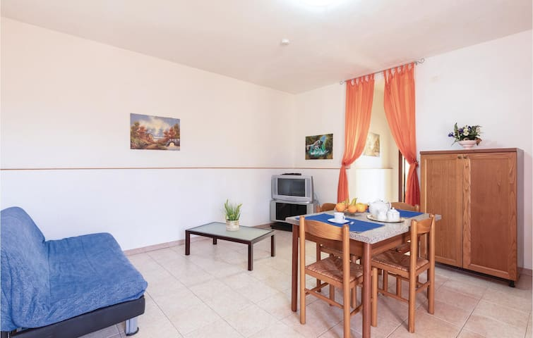 Holiday apartment with 2 bedrooms on 50m² in Castiglione d.Lago PG
