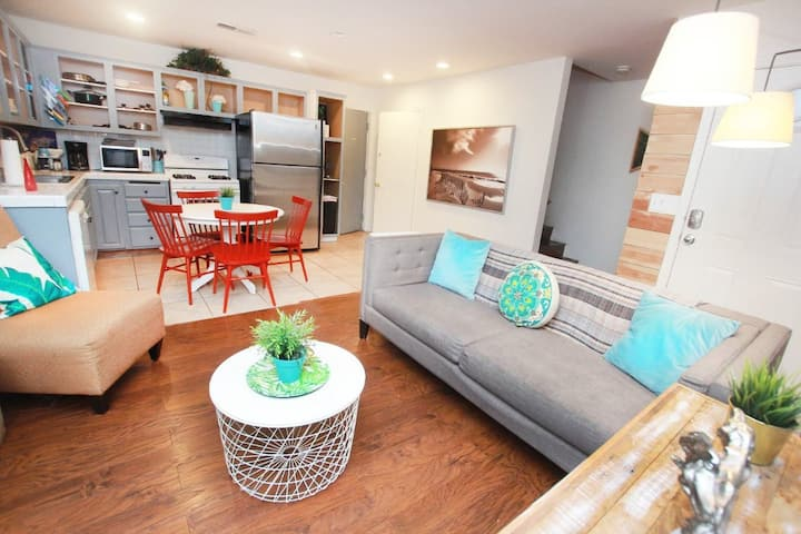 ★BELLE AIRE TOWNHOUSE ★ 2BD+2BA+GARAGE