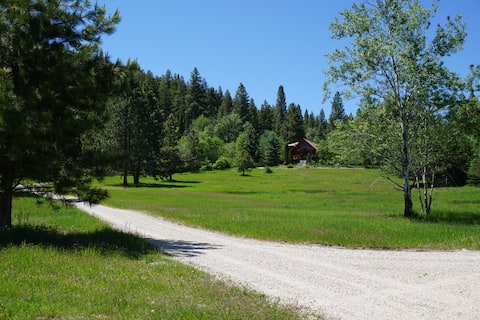 Mountain Meadow Getaway With Private Swimming Hole