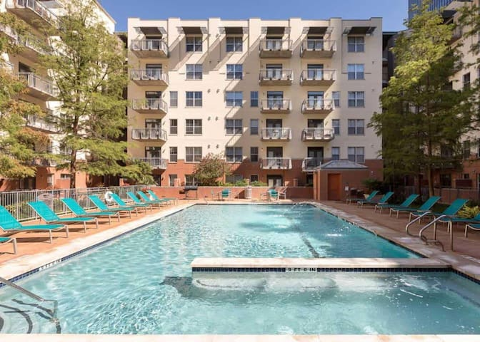 Stay Downtown | Austin | Upscale 2BR with Pool