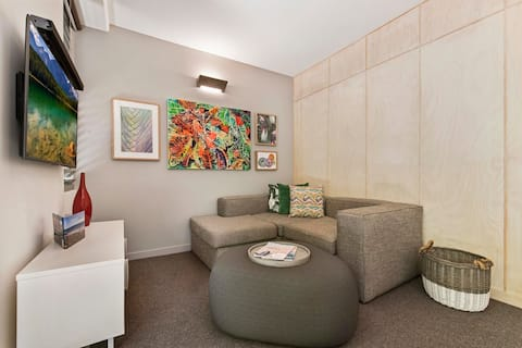 Studio Room Budget Price Great location